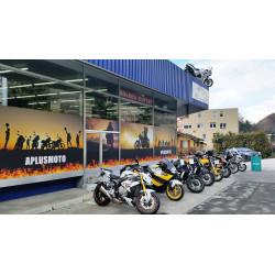 Location place d\'expositon-vente moto d\'occasion extérieur