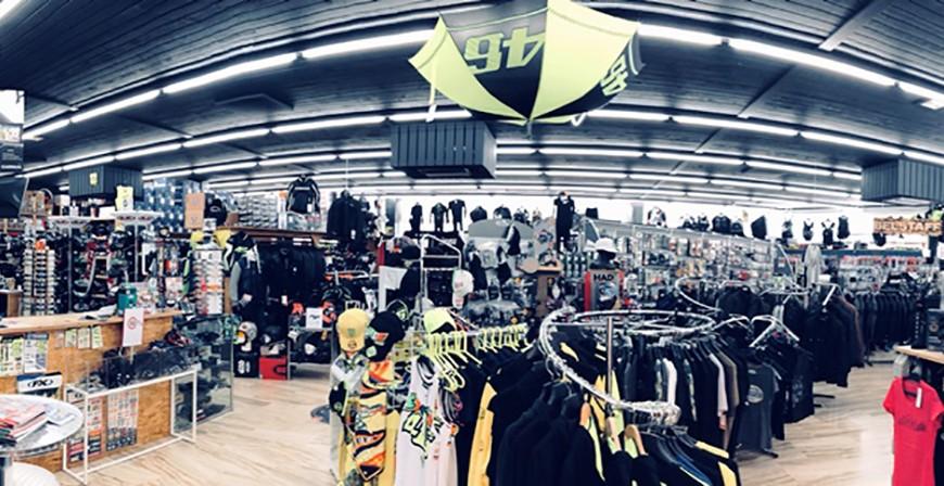 intérieur-magasin-aplusmoto-sion-4